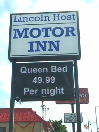 Lincoln Host: Advertsing $49.00 for a walk-in, and $99 simultaneously on Trivago / Hotels.com