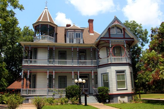 Brenham, TX: lovely victorian home on Main Street