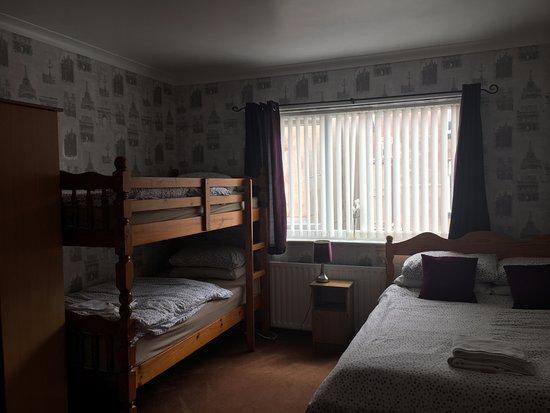 The Villa Hotel: Family En-suite Room