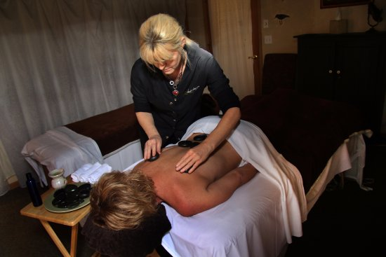 Big Bear Lake, Kalifornien: Our therapists are able integrate a variety of techniques to meet your specific needs.