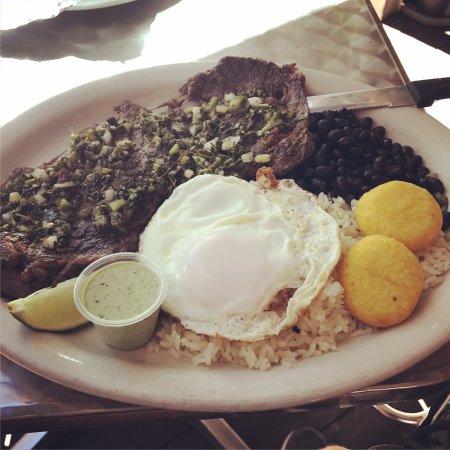 El Arepazo Latin Grill: photo0.jpg