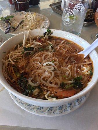 Mekong authentic vietnamese cuisine sandusky restaurant reviews phone number photos for Authentic vietnamese cuisine
