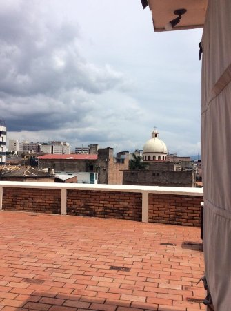 Hotel MacArthur: Latest update Hotel Mac Arthur located in the center Tegucigalpa.   Pictures from the roof and b