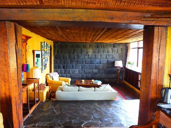 Lasso, Equador: Living room