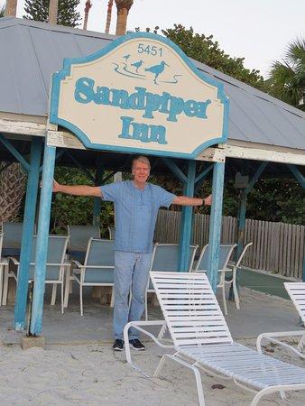Sandpiper Inn Photo