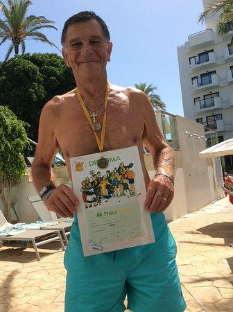 Protur Palmeras Playa Hotel: My husband winner of table tennis competition