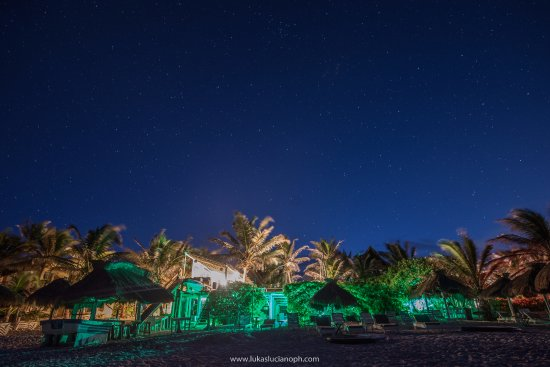 Zulum Beach Club + Cabanas: This is the view of the restaurant in the night