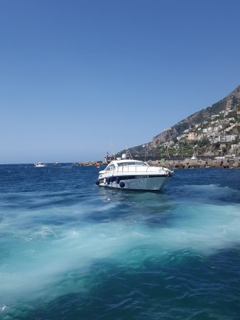 Nautica Sic Sic: Picking us up in Amalfi
