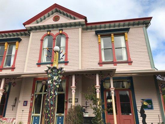 The Giant's House: photo0.jpg