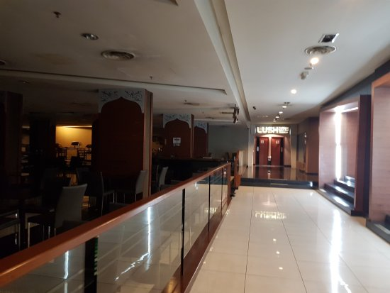 11 آت سنتشري هوتل جوهور باهرو: 20170729_221333_large.jpg