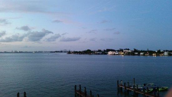 North Bay Village, Φλόριντα: View from 3rd floor (top floor) of East building