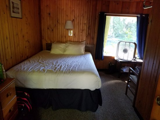 Apgar Village Lodge Photo