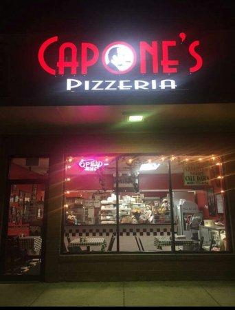 Bloomingdale, IL: Capone's Pizzeria