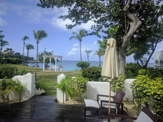 Terres Basses, St Marteen/St. Martin: Stepping out from your room
