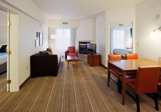 Two bedroom suite picture of residence inn chicago oak brook oak brook tripadvisor for Two bedroom suites in chicago