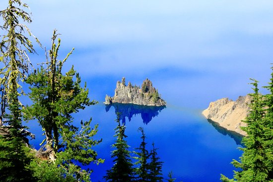 This Lake Is Really Really Blue Picture Of Crater Lake - 10 cool landmarks in crater lake national park