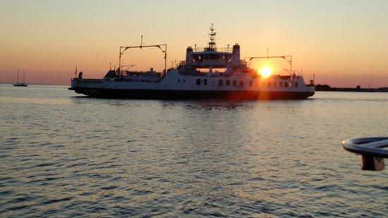 Wolfe Island, Canadá: IMG_20170729_2019149_large.jpg