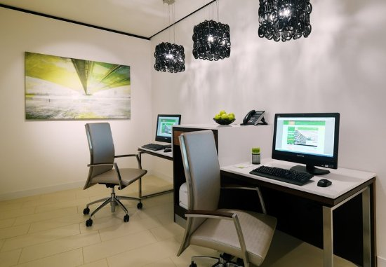 Courtyard by Marriott Cologne: Business Corner