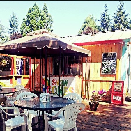 Springfield, OR: Back porch of Gambinos Hut
