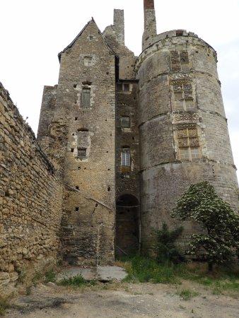 Martigne-Briand, France: MB chateau