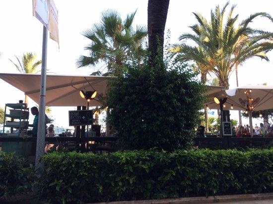 Terraza Exterior Fotografía De Restaurant Miramar Lounge