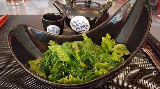 le lotus restaurant chinois et japonais la chaux de fonds restaurant avis num ro de. Black Bedroom Furniture Sets. Home Design Ideas