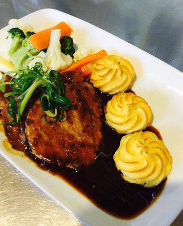 Renwick, Neuseeland: Sunday Roast and Dessert Special