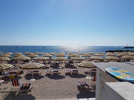 Hotel meuble la spiaggiola numana italien omd men for Hotel meuble la spiaggiola