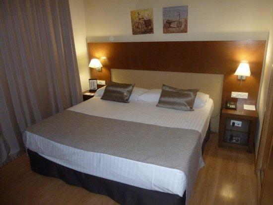Viana, Espanha: Dormitorio