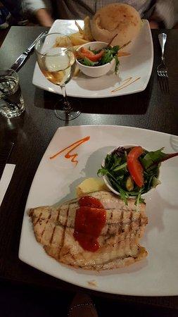 Rouse Hill, Australien: Burger & fish