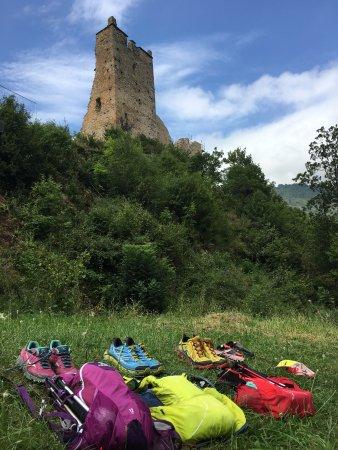 Serres-sur-Arget, Франция: Trail Voyage 80km, 5000D+, 5 Châteaux dont voici le dernier Miglos