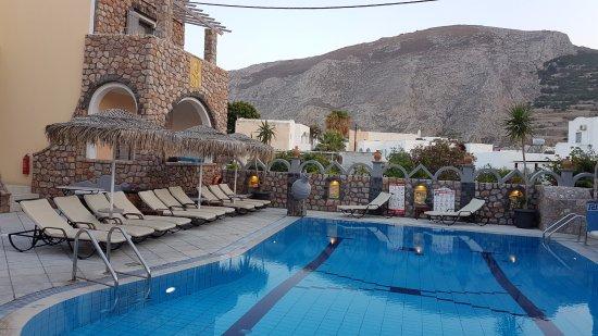Polydefkis Apartments: Pool-/baraerea