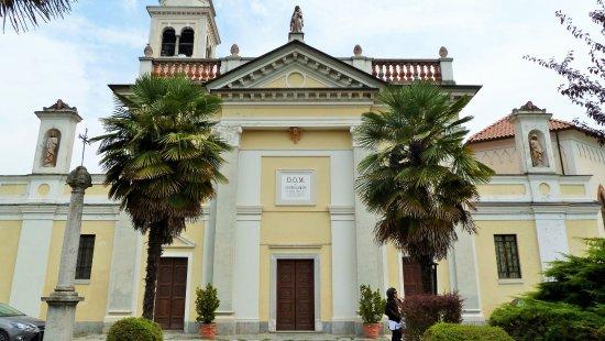 Prato Sesia, Italy: Facciata del 1870