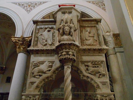 Cattedrale di Santa Maria Maggiore di Teggiano