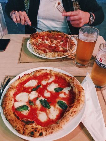LA Pizza Sanlitun Shop Photo