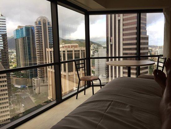 Aston at the Executive Centre Hotel: La vue du lit