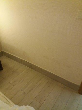 Hotel SideKum: Wände