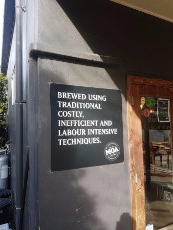 Moa Brewery Bar: Obviously a comedian works here
