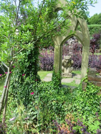 Rhydlewis, UK: Entrance to the gothic garden