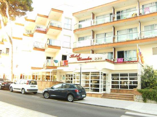 Hotel Clumba: das Hotel von vorn