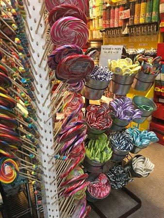 Economy Candy: Lecca lecca a go-go