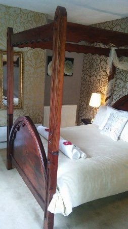 The Priory Hotel: Our Bridal Suite