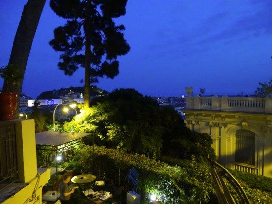 Hotel du Petit Palais: NIGHTTIME ELEGANCE