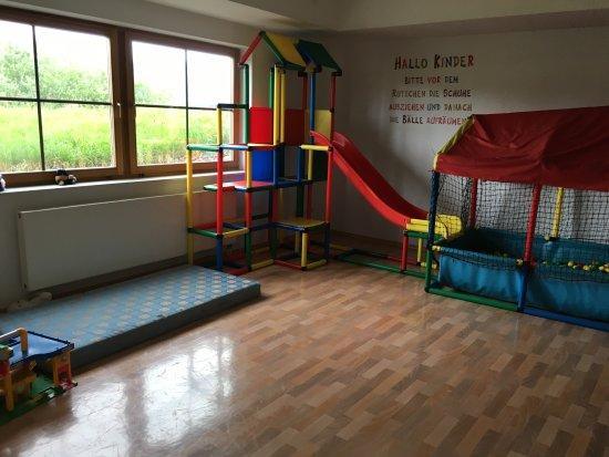 Hopferau, Germany: separates Kinderspielzimmer beim Wiesbauer