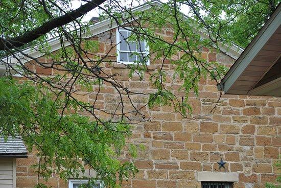 Carthage, IL: Window, rear of Jail