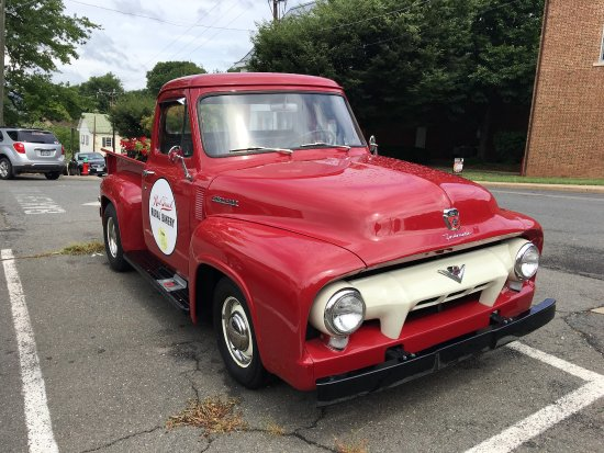 Warrenton, VA: Red truck