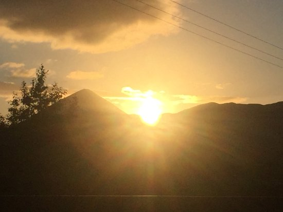 Westport Woods Hotel: Rolling Sun as seen from the Bohea Stone on August 24th signifying the changing of season. This