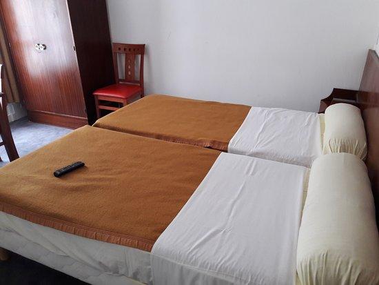 hotel luxia paris france voir les tarifs 12 avis et. Black Bedroom Furniture Sets. Home Design Ideas