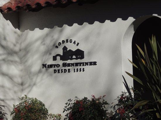 Bodegas Nieto Senetiner: El símbolo