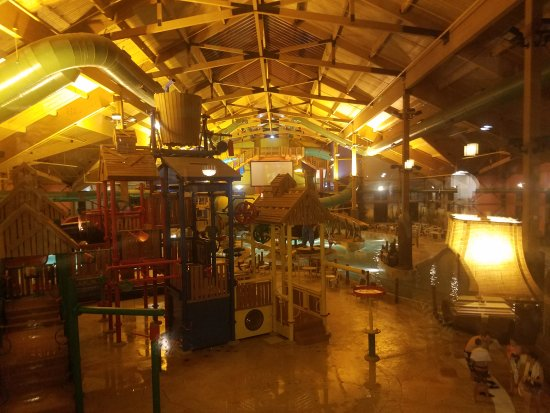 Grand Lodge Waterpark Resort: 20170729_220218_large.jpg